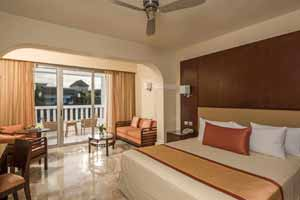 Junior Suite Deluxe with Hot Tub- Grand Riviera Princess All Suites Resort & Spa All Inclusive